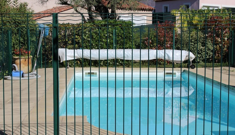 05 lovely ground floor apartment Vence pool gate