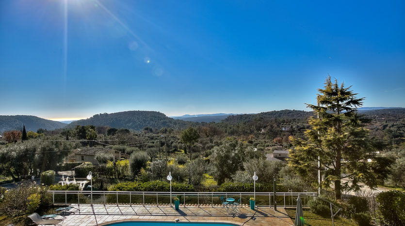 Tourrettes sur loup lovely luxury property for sale